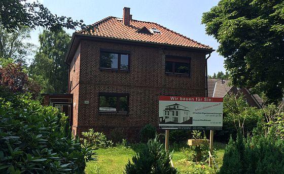 Wer ein Grundstück zum Bau eines Hauses kauft, muss immer mehr Nebenkosten einplanen. (Foto: Markus Burgdorf)