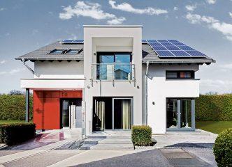 Moderne Fertighäuser besitzen eine umfassende Gesamtqualität und bieten damit höchste Zukunftssicherheit für Bauherren. (Foto: OKAL Haus)
